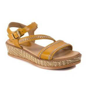 Lucca Lane Kassy Flatform Sandal